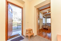 Apartment with separate entrance from the yard (first floor)