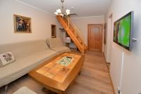 Czteroosobowy pokój z sypialni na poddaszu